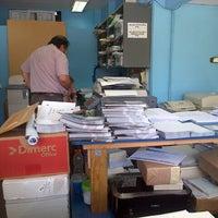 Photo taken at Offset Express by Ricardo C. on 11/6/2012