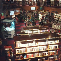 Foto diambil di Livraria Cultura oleh Larine F. pada 12/21/2012
