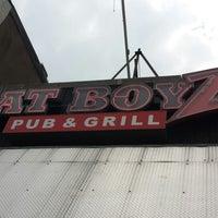 Das Foto wurde bei Fat Boyz Pub & Grill von Justin M. am 6/10/2013 aufgenommen