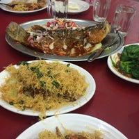 Photo taken at Restoran Cina Muslim Mohd Chan Abdullah by Sharizwan A. on 11/13/2016