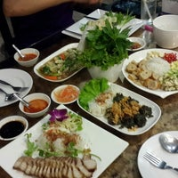 Photo taken at บีที แหนมเนือง by MeAw P. on 4/30/2015