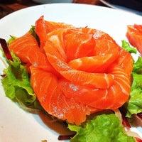 Foto tirada no(a) Musashi Culinária Japonesa por Silvestre w. em 3/29/2014