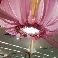 Photo taken at Hei Yeong Seng Chinese Restaurant (喜洋城) by Su Yin O. on 10/11/2015