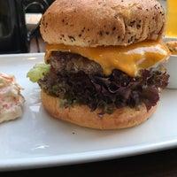 Das Foto wurde bei CA-BA-LU Burger & More von Jay M. am 3/30/2018 aufgenommen