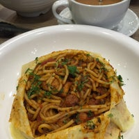 Photo taken at Wong Kok Char Chan Teng (旺角茶餐厅) by SwINg P. on 6/16/2017