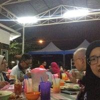 Photo taken at Medan Selera Seksyen 15, Shah Alam by Ama L. on 1/14/2017