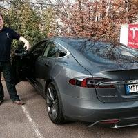 Photo taken at Tesla Niederlassung by Timmy N. on 10/26/2013