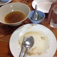 Photo taken at ร้านอาหารจันทร์ทอง by I am the devil on 2/12/2014