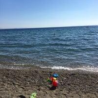 Photo taken at Pınar Cafe & Beach &Nargile by Kurt W. on 9/16/2016