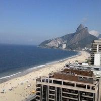 Das Foto wurde bei Everest Rio Hotel von Cláudia M. am 5/1/2013 aufgenommen