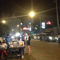 Photo taken at Soul Pub & Restaurant by ปัจเจก บ. on 10/23/2015
