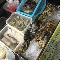 Foto tirada no(a) Tao Poon Market por ปัจเจก บ. em 12/24/2017