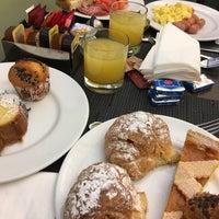 Foto scattata a Hotel Alexandra da Artemis👻 V. il 3/1/2017