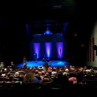 Das Foto wurde bei Stateside Theatre @ the Paramount von William S. am 12/16/2012 aufgenommen
