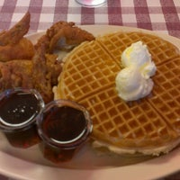 Photo taken at Roscoe's House of Chicken and Waffles by Jeffery A. on 6/4/2013