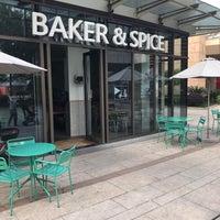 Photo prise au Baker & Spice par Tim G. le4/29/2018