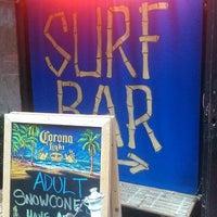 รูปภาพถ่ายที่ Réunion Surf Bar โดย Corey P. เมื่อ 5/28/2013