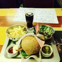 Снимок сделан в The Burger пользователем Kateryna R. 6/25/2015