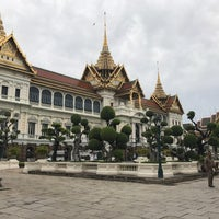 10/23/2017 tarihinde Cristinaziyaretçi tarafından Dusit Maha Prasat Throne Hall'de çekilen fotoğraf
