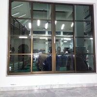 Photo taken at Masjid Alang Iskandar KDSK by Fawi A. on 9/17/2012
