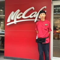 Photo taken at McDonald's (麦当劳) by Damao C. on 3/22/2014