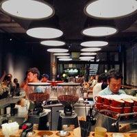 Das Foto wurde bei The Roastery by Nozy Coffee von ___________________'s am 10/17/2013 aufgenommen