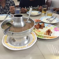 Photo taken at Rub Lom Seafood by ⓟ on 4/14/2017