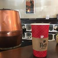 Photo taken at Peet's Coffee & Tea by Rachel S. on 11/5/2017