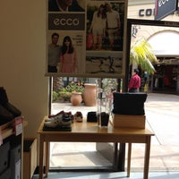 Photo taken at Ecco by TELL ME THE SALE™ on 3/26/2014