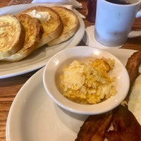Photo taken at Cracker Barrel Old Country Store by Yany G. on 6/18/2017