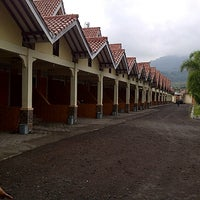 Photo taken at Cipaganti Resort (Cipanas-Garut) by Arief S. on 12/31/2013