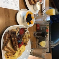 Foto tomada en Moxie's Grill & Bar por Kevin T. el 2/26/2017