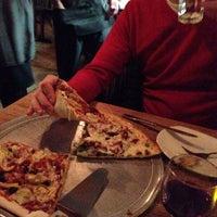 Das Foto wurde bei Emma's Pizza von Valeria K. am 2/22/2014 aufgenommen