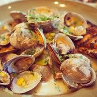 รูปภาพถ่ายที่ Chez Panisse โดย Taro M. เมื่อ 7/19/2013