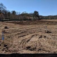 Das Foto wurde bei Atlanta BeltLine Trailhead @ Bobby Jones Golf Course von Daniel B. am 3/4/2018 aufgenommen