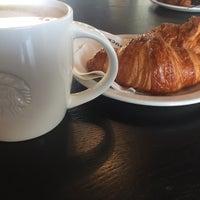 Photo taken at Starbucks by Nele D. on 8/21/2017