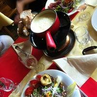Photo prise au Cave Valaisanne et Chalet Suisse par Marie K. le8/5/2012