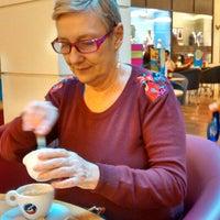 Photo taken at Blenz Café by Lisandra Sofia S. on 5/11/2014