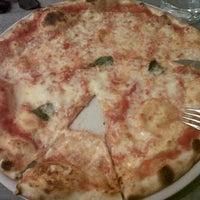 Foto scattata a Pizzeria All'Incrocio da Sole P. il 10/6/2012