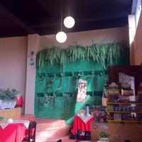 Photo taken at Restaurante Giardin by Edgar C. on 5/13/2014