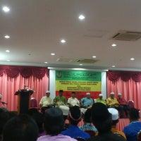 Photo taken at Institut Pengurusan Peladang by Hairul Nizam J. on 10/13/2012