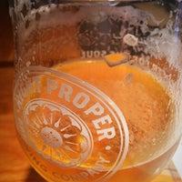 Foto tirada no(a) Right Proper Brewing Company por Mat T. em 6/27/2017