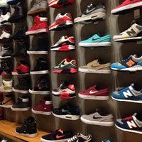 Foto tirada no(a) Maze Skateshop por cleber l. em 6/22/2015