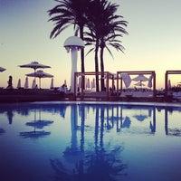 Foto tomada en Destino Pacha Ibiza Resort por Alex M. el 10/1/2013