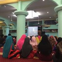 Photo taken at Masjid Al-Mustaqim by Waffa A. on 8/27/2016