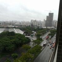 Foto tirada no(a) Vernon Palace Hotel Curitiba por Alex C. em 2/22/2014