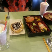 Photo taken at Gigi Sushi Bar by Ye-Eun C. on 2/11/2014
