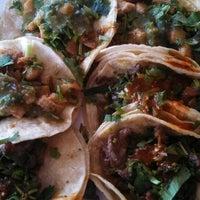 4/2/2014 tarihinde Mario S.ziyaretçi tarafından El Sauz Tacos'de çekilen fotoğraf