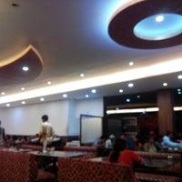 Photo taken at Vrindavan Veg Hotel by Mahesh D. on 4/2/2015