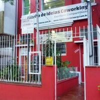 Photo prise au Fábrica de Ideias Coworking - Escritório Compartilhado par Talvani C. le4/13/2013